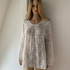 WOMEN'S IVORY LACE BELL SLEEVED TOP SZ L